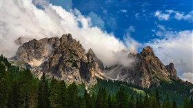 Clouds_In_Dolamite_Alps